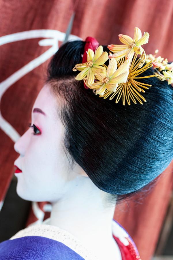 Kyoto_autumn_geisha_3