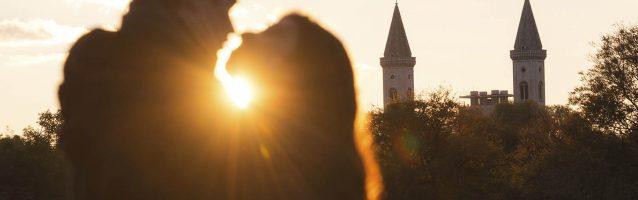 Kissing couple, Sunset, Munich